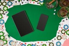 Sikt från ovannämnt med kopieringsutrymme Modell för banermallorientering för online-kasino Grön tabell, bästa sikt på arbetsplat royaltyfri illustrationer