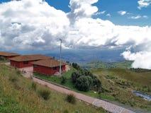 Sikt från Quito TeleferiQo arkivfoton