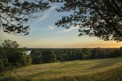 Sikt från Richmond Hill i London över landskap under beautifu Arkivfoto