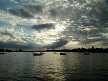 Sikt från sjön Arkivfoton
