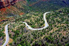 Sikt från slinga för orm` s av vägen arkivfoto