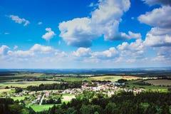 sikt från slotten till det härliga landskapet Arkivbilder