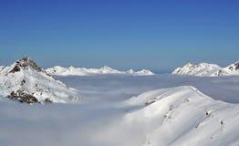 Sikt från Speiereck till Tauern i de österrikiska fjällängarna arkivfoto