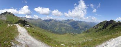 Sikt från Stubnerkogel, dåliga Gastein, Almorama, Salzburg, Österrike Arkivfoton
