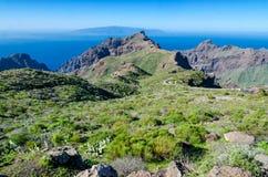 Sikt från Tenerife till La Gomera Arkivfoton