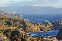 Sikt från udd Creus (costaen Brava, Spanien) arkivbilder