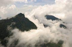 Sikt från World& x27; s-slutet i Horton plattar till nationalparken royaltyfria foton