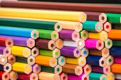 Sikt för baksida för blyertspennahögcloseup Arkivfoto