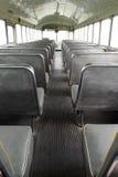 Sikt från baksidan av bussen Royaltyfri Bild