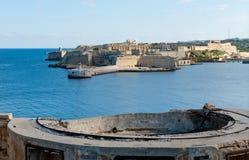 Sikt från fortet St Elmo på till Ricasoli den storslagna hamnen östliga Bre Arkivfoton