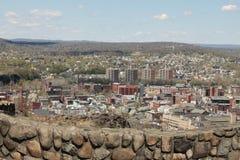 Sikt från Garret Mountain till den Paterson staden NJ USA Royaltyfria Foton