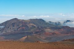 Sikt in i haleakalakrater maui hawaii Arkivfoton