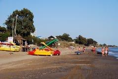 Sikt längs den roliga stranden, Marbella Royaltyfri Foto