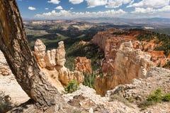 Sikt in mot Bryce Canyon i Utah Fotografering för Bildbyråer