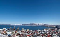 Sikt om den reykjavik staden arkivbild