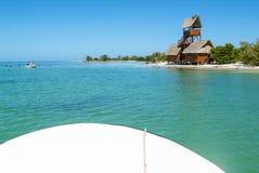 Sikt på ön de los Pajaros i Holbox Arkivbilder