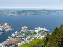 Sikt på Bergen, Norge Arkivfoton