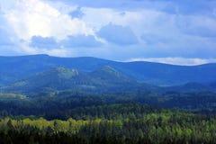 Sikt på bergskedja Fotografering för Bildbyråer