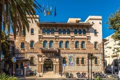 Sikt på byggnadsuniversitetet av Malaga i Spanien Arkivbilder
