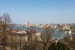 Sikt på Chain brige i Budapest Arkivbilder