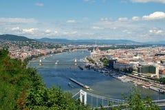 Sikt på Danubet River i Budapest royaltyfria foton