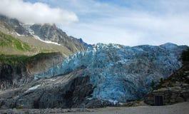 Sikt på den Argentiere glaciären. royaltyfri bild