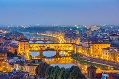 Sikt på den Arno floden i Florence Royaltyfri Fotografi