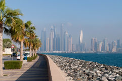 Sikt på den Dubai marina Royaltyfri Bild