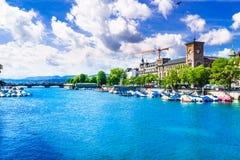 Sikt på den färgrika sjön Zurich - Schweiz royaltyfria foton