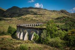 Sikt på den Glenfinnan viadukten Arkivbilder