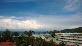 Sikt på den Karon stranden Thailand Phuket Royaltyfri Foto