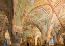 Sikt på den målade inre i basilika av Santa Maria Assunta i Aquileia - Italien royaltyfri fotografi