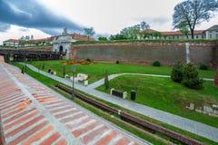 Sikt på den medeltida fästningen av Alba Iulia, Rumänien royaltyfri foto
