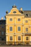 Sikt på den Menshikov slotten i St Petersburg Arkivfoto