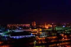 Sikt på den midnatta staden Kremenchug, Ukraina arkivbild