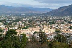 Sikt på den Oaxaca staden arkivfoton