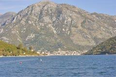 Sikt på den Perast staden, Montenegro Royaltyfri Bild