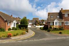 Sikt på den traditionella engelska gatan Arkivfoton