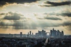Sikt på det moderna områdeslaförsvaret i Paris arkivfoton