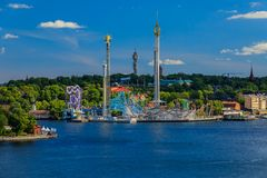 Sikt på det Stockholm nöjesfältet Grona Lund och sjön Mälaren Arkivfoton
