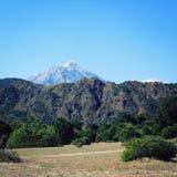 Sikt på det Tahtali Dagi berget Lycian väg igen royaltyfri foto