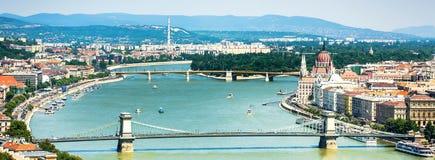 Sikt på Donau och Budapest Arkivbild