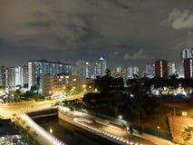 Sikt på en av centralSingapore den bostads- fjärdedelen vid natt Royaltyfri Foto