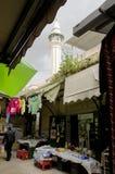 Sikt på en gata i Nazareth Market royaltyfria foton