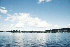 Sikt på en sjö i Finland Royaltyfri Fotografi