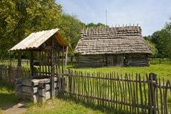 Sikt på en traditionell bygd. Arkivfoto