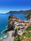 Sikt på färgerna av Vernazza royaltyfria foton