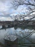 Sikt på floden av stadmitten av Baseln Royaltyfri Bild