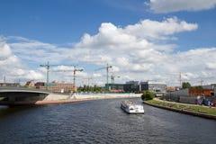 Sikt på flodfest, Berlin, Tyskland fotografering för bildbyråer