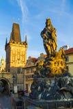 Sikt på gammal-stad brotorn i Prague, Tjeckien 08 08 2017 Royaltyfria Bilder
